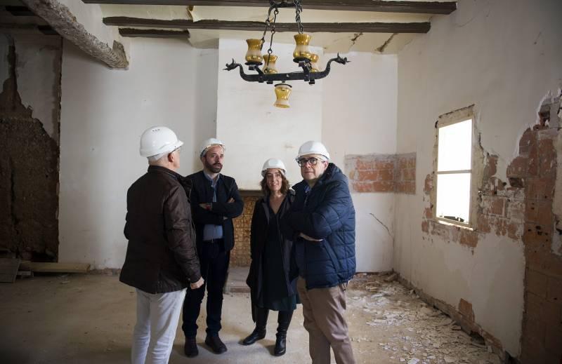 Tello, Rivera y Company en el interior de la futura Casa de las luces