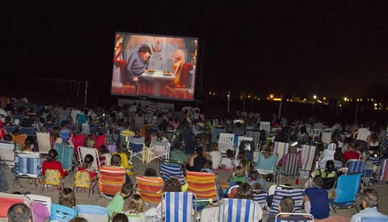 Sesión de cine en la Malvarrosa 2015