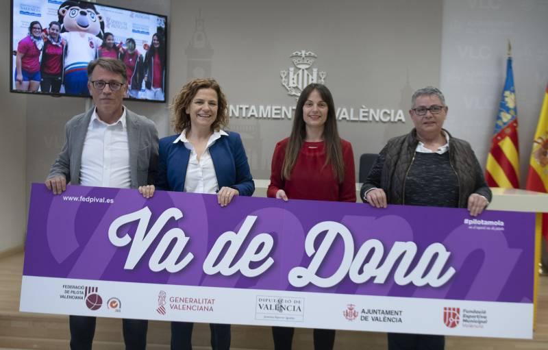 La calle y el Trinquete Pelayo, escenarios del encuentro «Va de Dona» para visibilizar y reivindicar el papel de la mujer en el mundo de la pelota valenciana