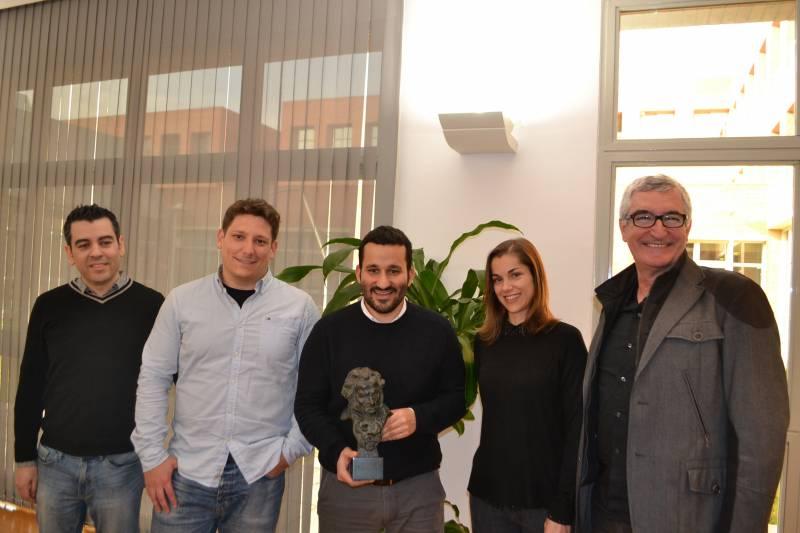 Marzá con un premio Goya junto a los nominados a los premios de este año. //VIUVALENCIA