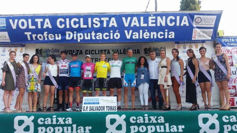 Podium de los ciclistas ganadores