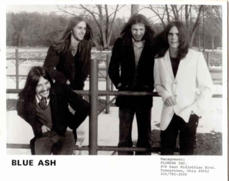 Blue Ash, en una foto promocional : : Loco Club