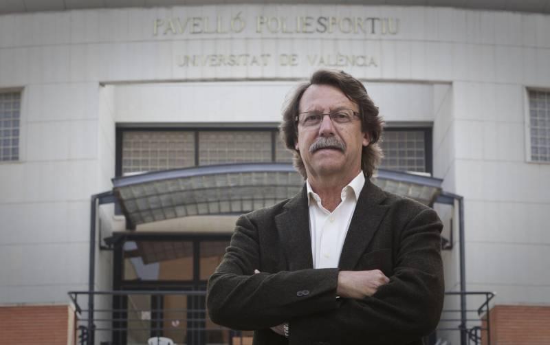 José Campos, director del Servei d?Educació Física i Esports de la Universitat