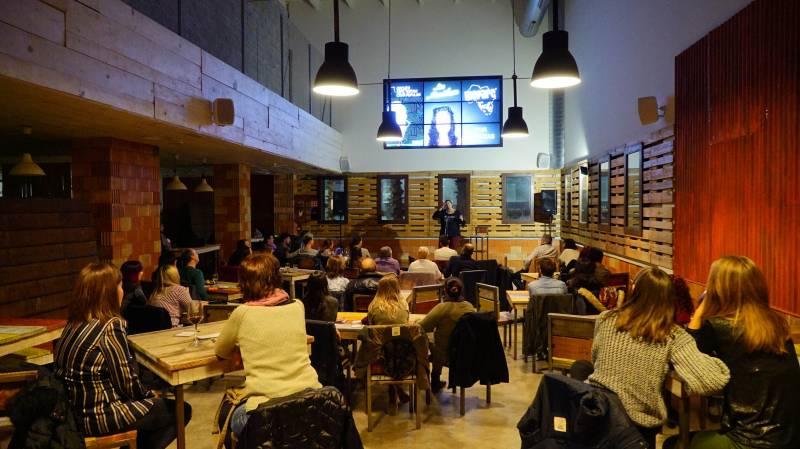 Monologo más cena en BIOPARC Café