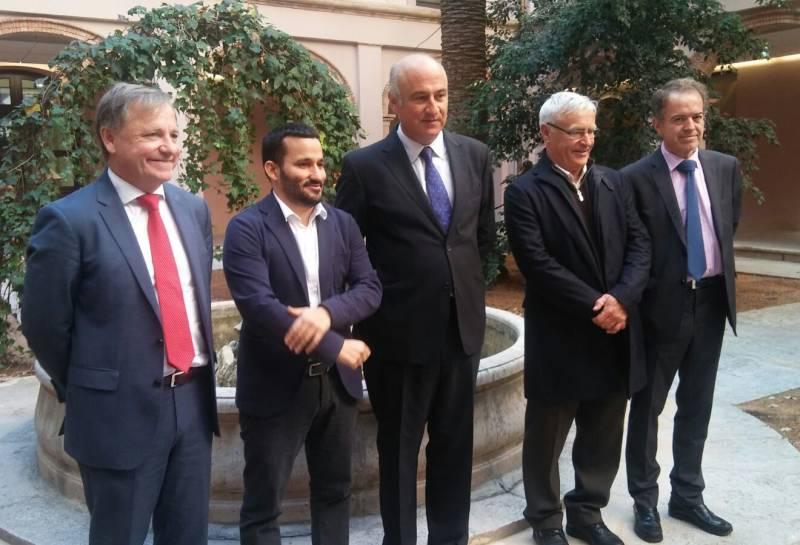 El secretario de Estado de Cultura rodeado por Moragues, Marzà y Ribó. //EPDA