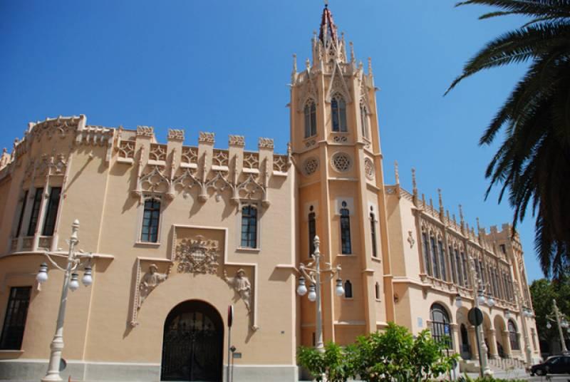 Palacio de la Exposición, obra del arquitecto Francisco Mora