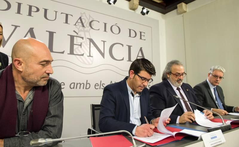 Firma convenio sociedades culturales // Abulaila