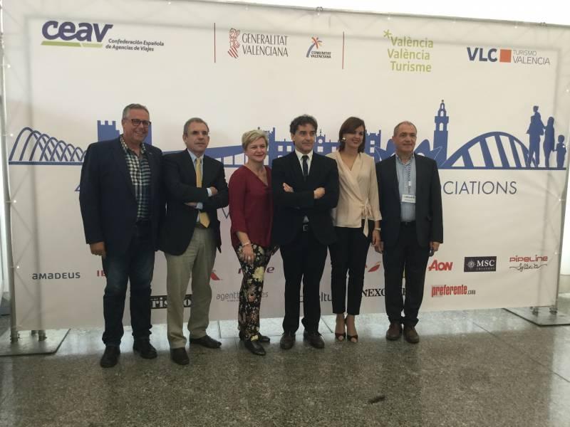 Autoridades valencianas en el acto de apertura