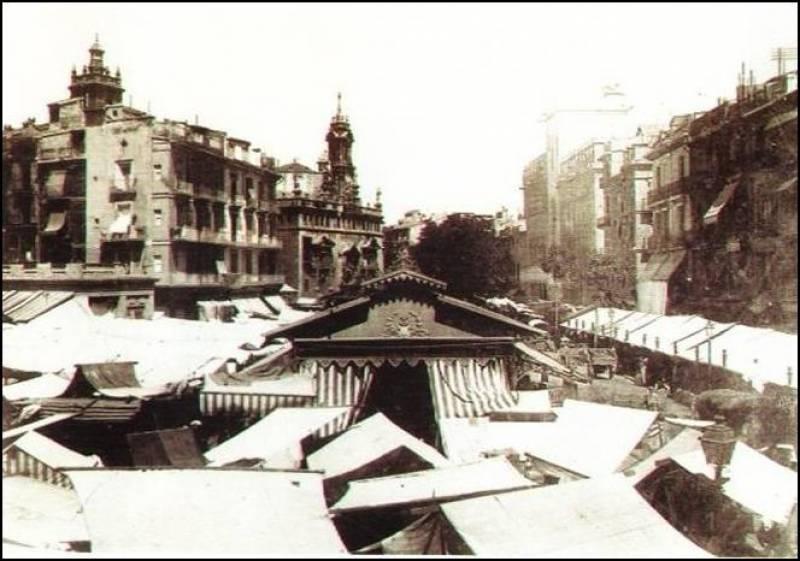 Parte del equipo de la última apertura del Mercado de Provenzal en Valencia
