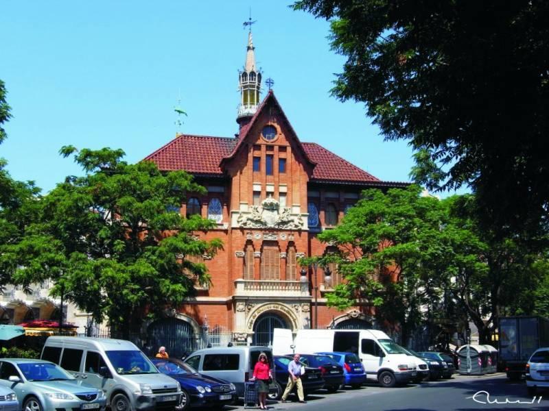 La Llotgeta, el edificio desconocido al lado del Mercado Central