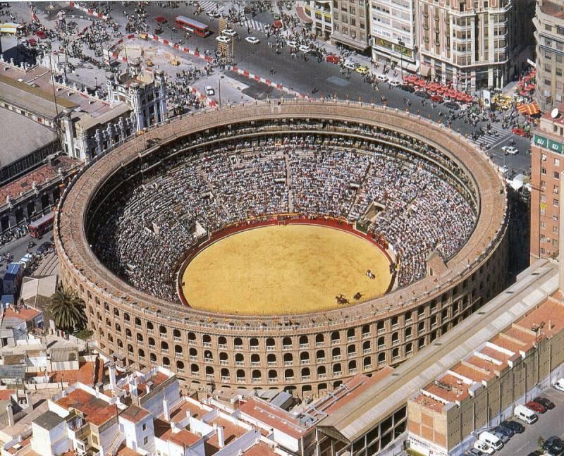 La Plaza de Toros de Valencia - Foto: tourismaniac