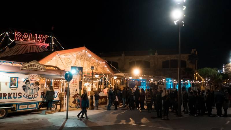 Circo exterior noche