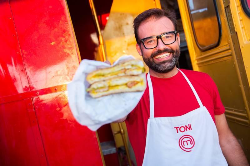 Toni Carceller fomenta la cultura del almuerzo en el antiguo cauce del rio Turia con productos de proximidad