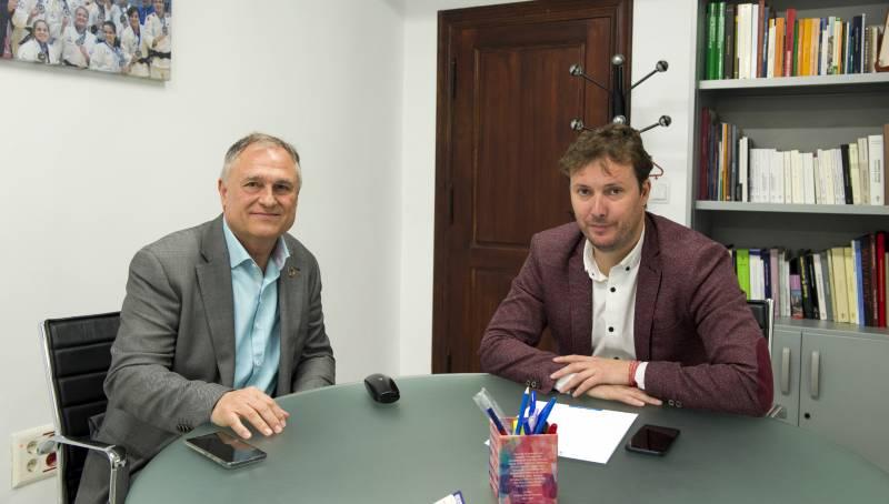 Andres Campos se reune con alcalde de Lliria, Manolo Civera