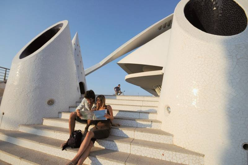 Turistas en el Trencadis