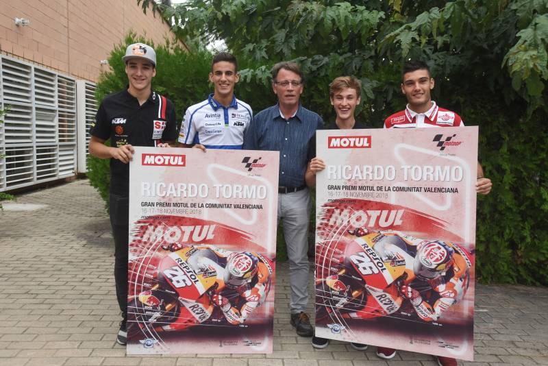 Lecuona, Pérez, Moya, Masià y Navarro en la Presentación del Cartel del Gran Premio Motul de la Comunitat Valenciana