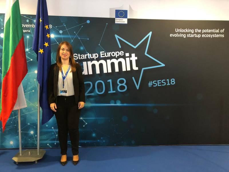 Rocío Cortés, ganadora del V Premio Ateneo Startup Europe Accelerator con el proyecto MundoArti, que se encuentra en Bruselas desarrollando su proyecto. Esta estancia es una de las partes del galardón concedido por el Ateneo y Finnova