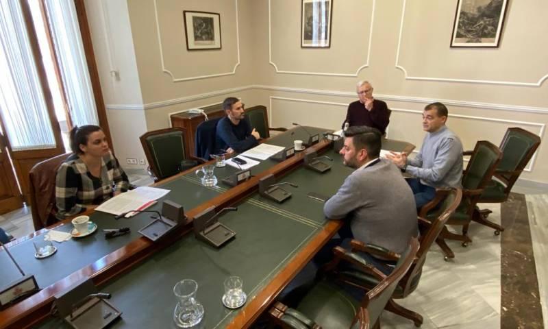 """L'alcalde firma la resolució """"que garanteix els servicis públics a València dins de l'excepcionalitat"""""""