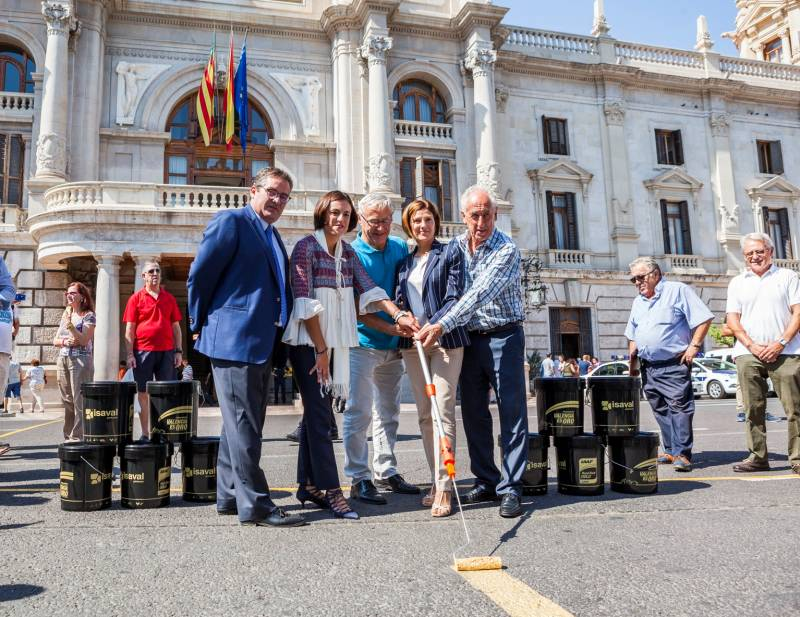 Joan Ribó con las entidades organizadoras
