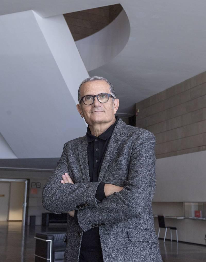 El director del IVAM recibe el premio Llama Rotaria 2020 de las artes