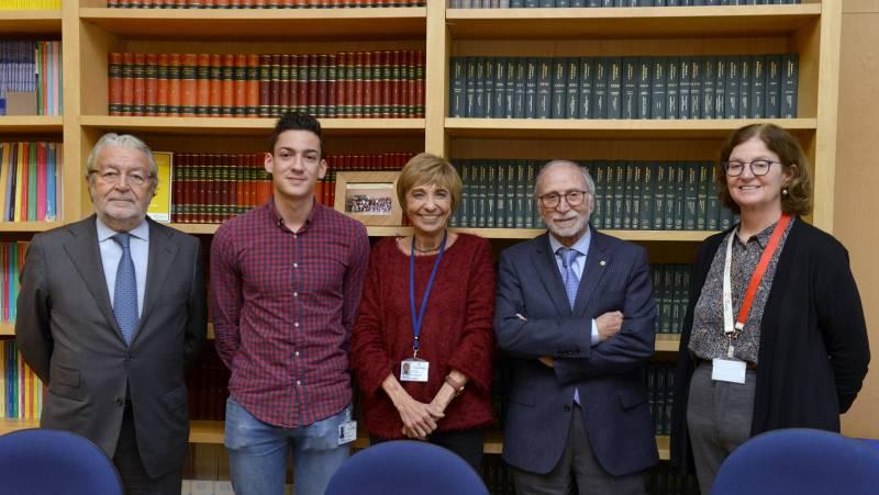Rafael Alcón, Francisco Ibáñez, Consuelo Guerri, José Mir, Deborah J. Burks