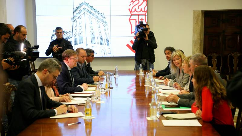 Ximo Puig anuncia la suspensión de toda la actividad educativa y formativa presencial en la Comunitat Valenciana a partir del lunes 16 de marzo como medida preventiva ante el coronavirus