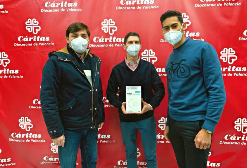 En la foto el director de Cáritas Diocesana de Valencia Nacho Grande junto a Morata y De Almeida. EPDA