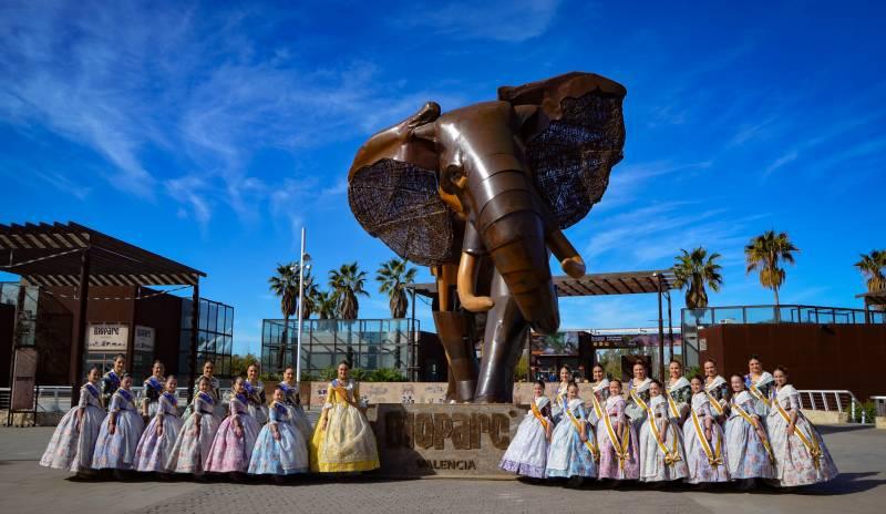 Las Falleras Mayores de València celebran el 12 Aniversario de BIOPARC