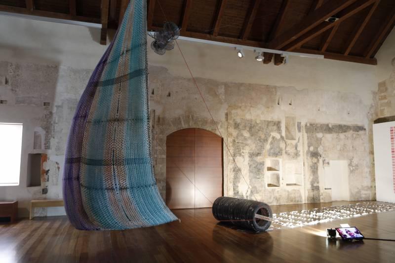 Rosa Pérez Garijo y Josep Policarpo con los artistas