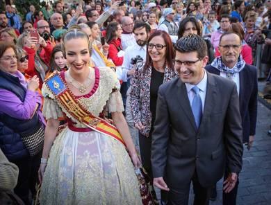 El presidente de la Diputación de Valencia, Jorge Rodríguez, y la Fallera Mayor de Valencia, Raquel Alario // Abulaila