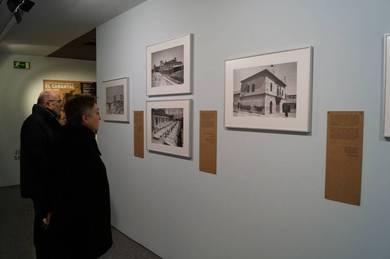 Visitants a la mostra
