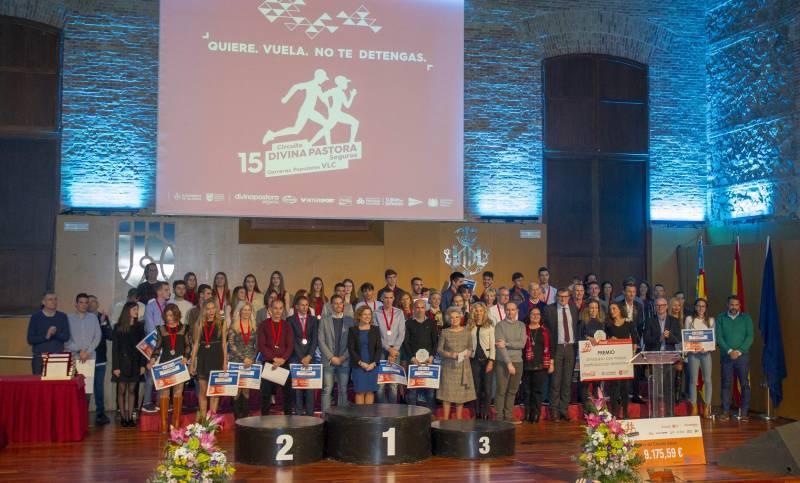 Foto de los participantes en la gala