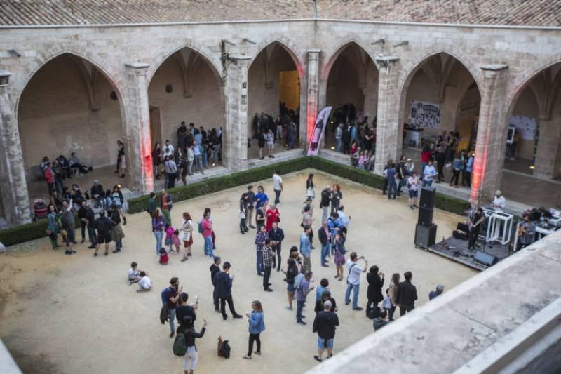 Imagen de archivo patio gótico Centre del Carme./ EPDA