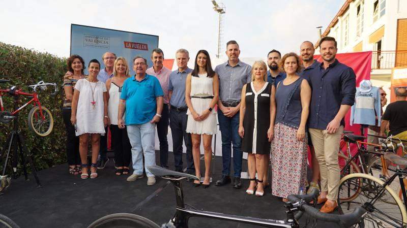 Torrent, Guillén y Mayor con el equipo de gobierno de l