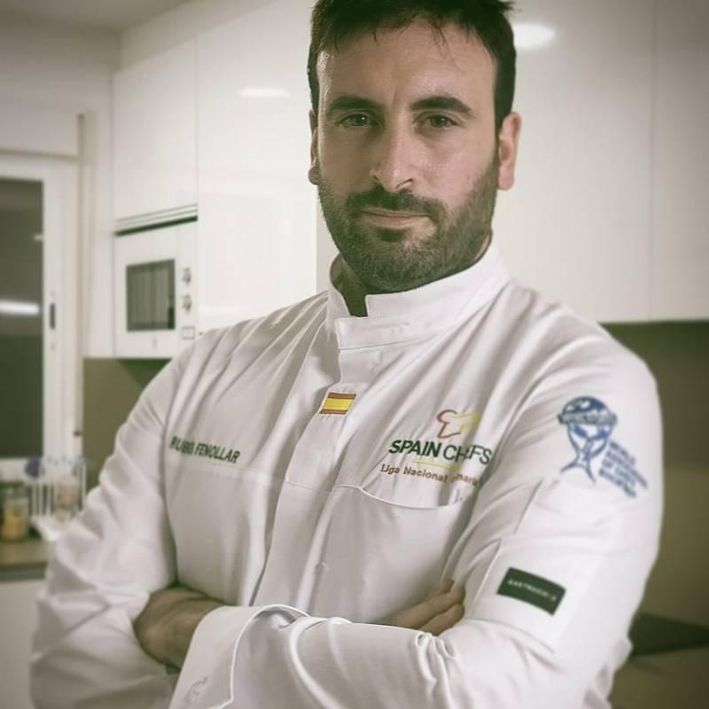 El chef con su creación. EPDA.