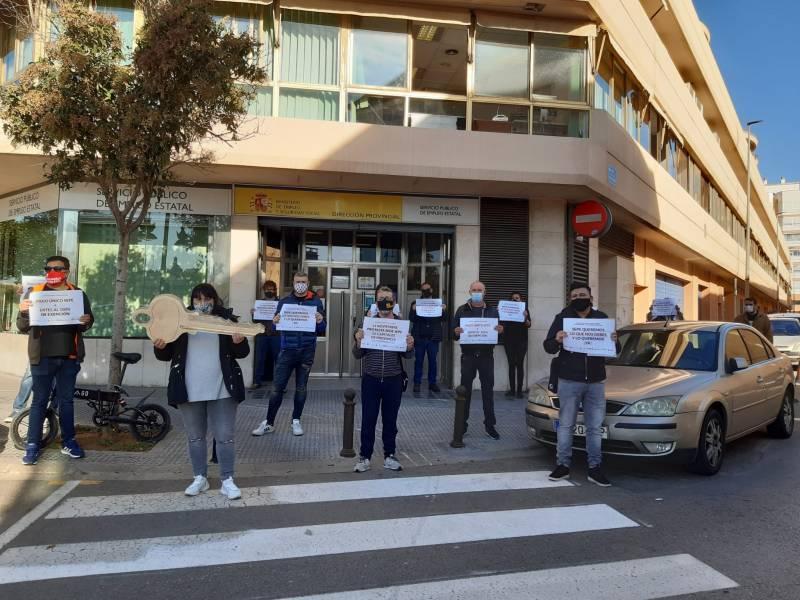 Empresarios y trabajadores de la hostelería y ocio de València se unen para reclamar por los ertes./ EPDA