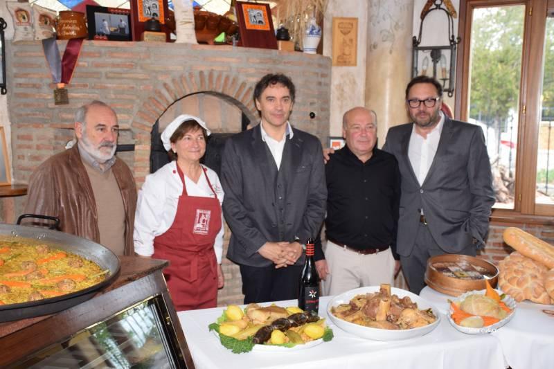 Francesc Colomer, junto a Teresa y Voro