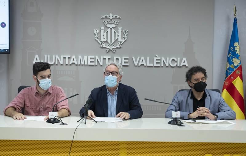 El regidor de Turisme, Emiliano García, el responsable de Music Republic, Rafa Adrián y el Secretari Autonòmic de Turisme, Francesc Colomer. EPDA